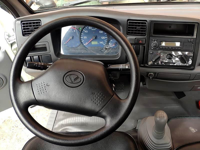tay lái xe tải iz250
