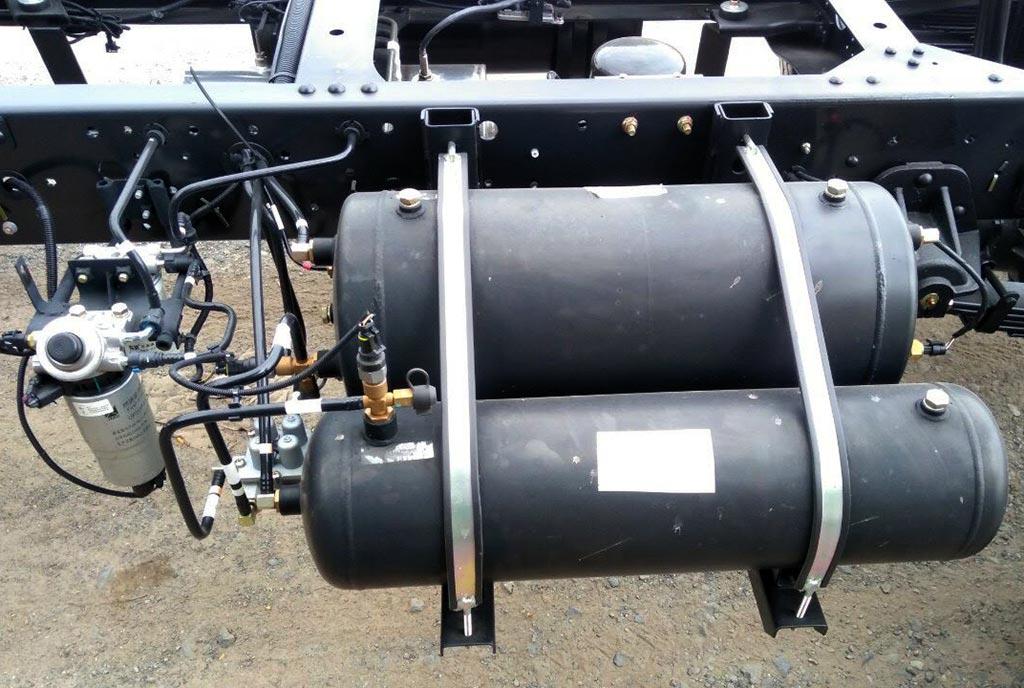 bình khí nén xe tải iz650-se đô thành