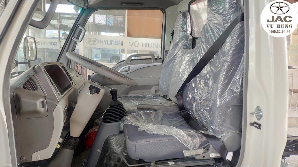 ghế nỉ trang bị trên xe jac 2t4