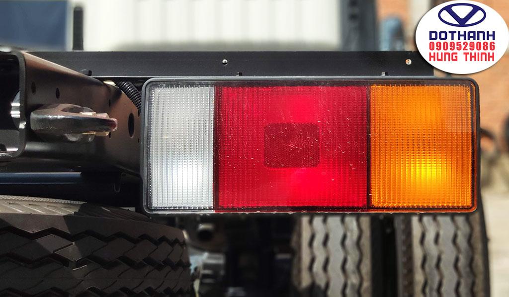 đèn hậu xe tải iz68s đô thành