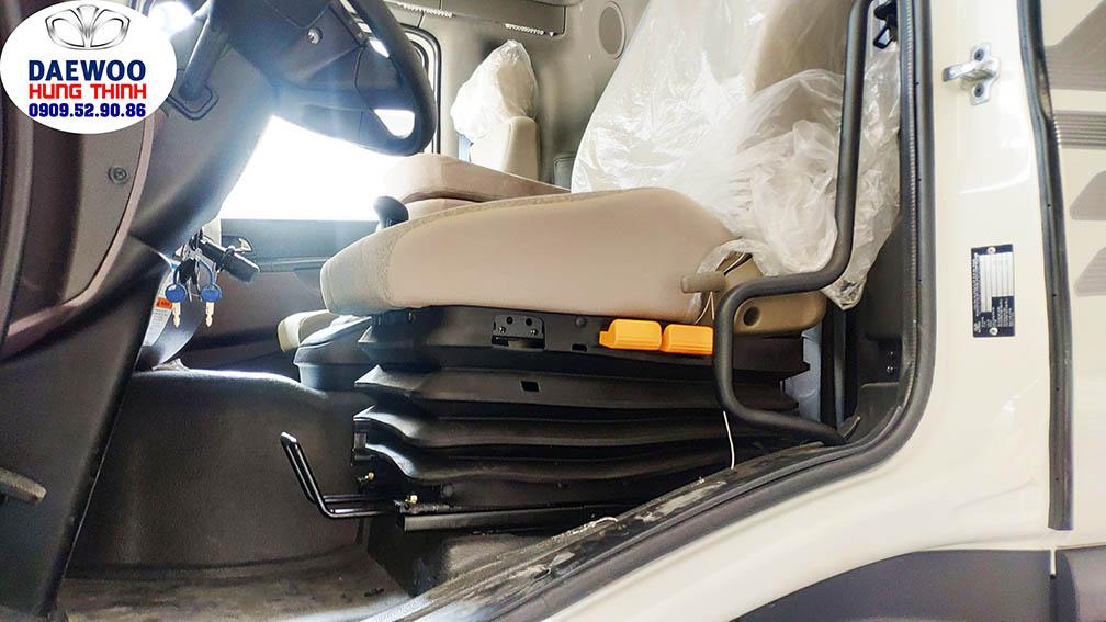xe tải daewoo 9 tấn trang bị ghế hơi tài xế