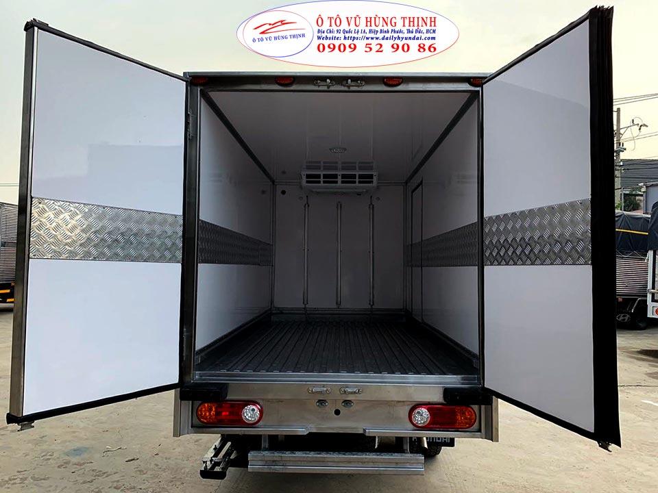 giá xe tải đông lạnh 1 tấn