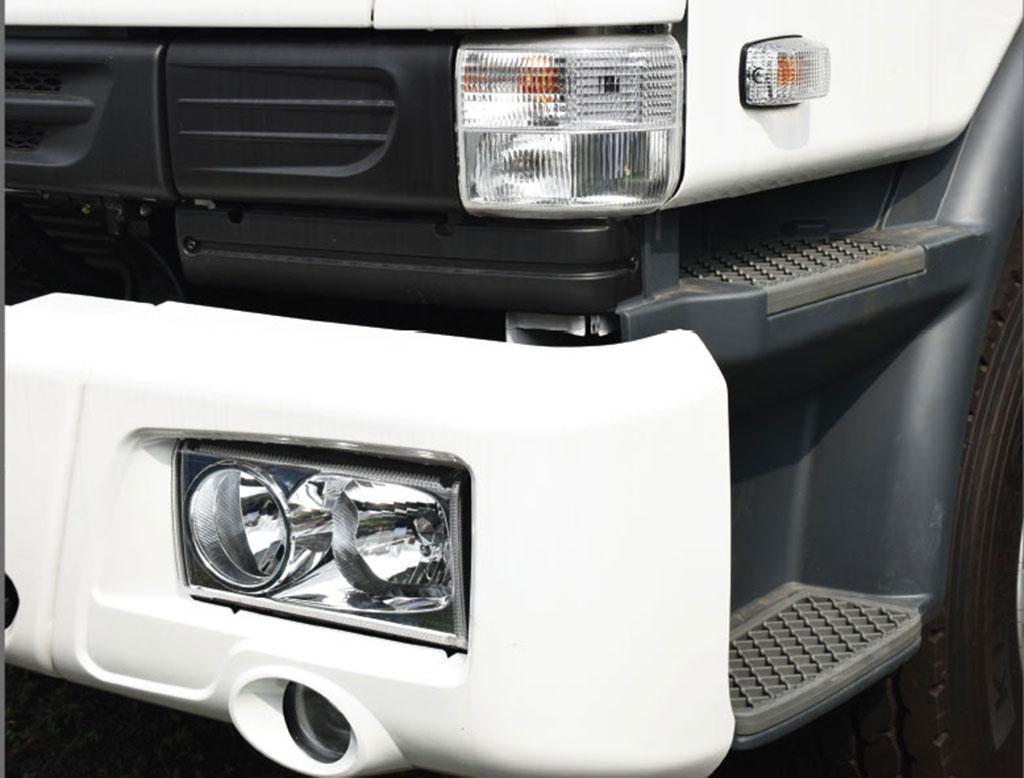 đèn pha thiết kế mới trên xe ben daewoo 10 khối