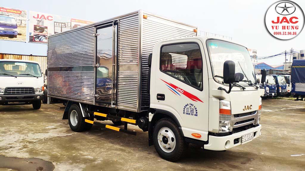jac n200 thùng kín 1.9 tấn